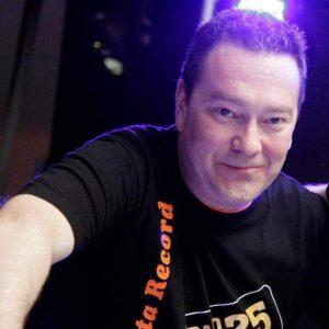 Roman Armengol presenta MUSIC BOX-MUSIC ROCKS a GUM FM.